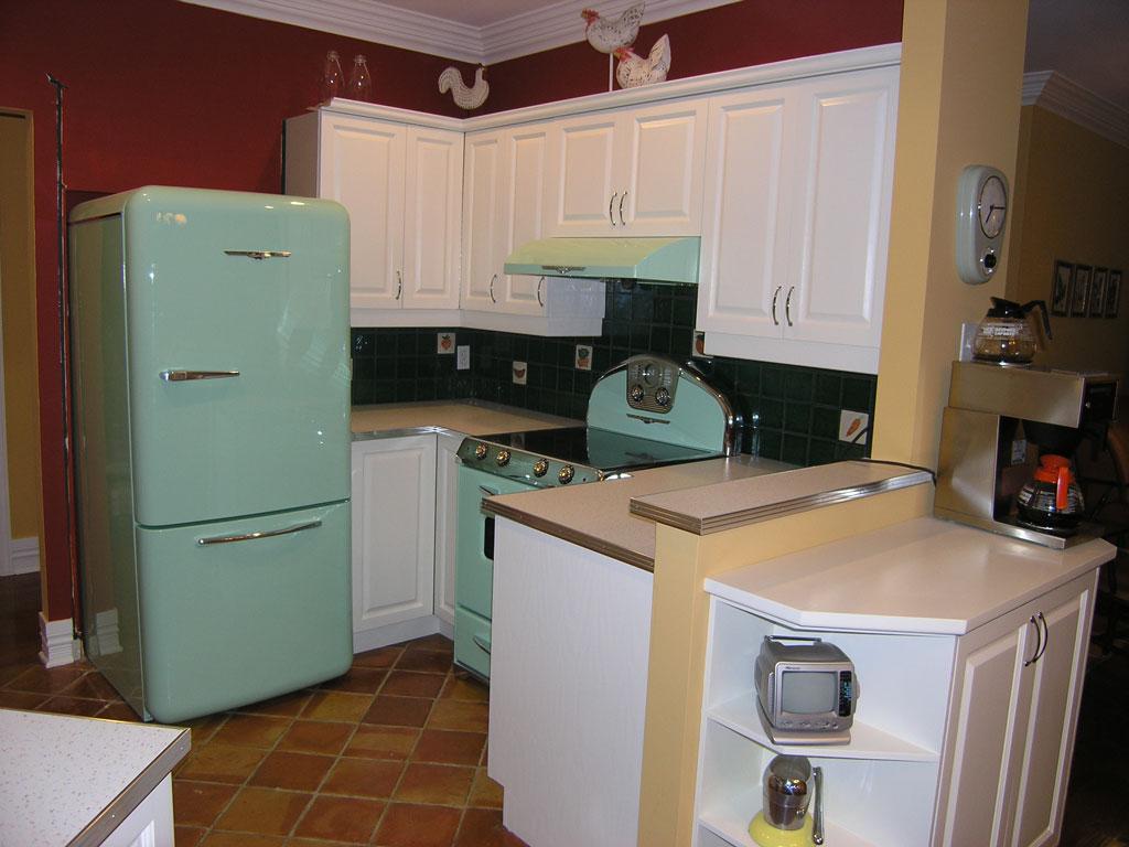Armoires r tro art d co les entreprises alain pilon inc for Moulure armoire cuisine